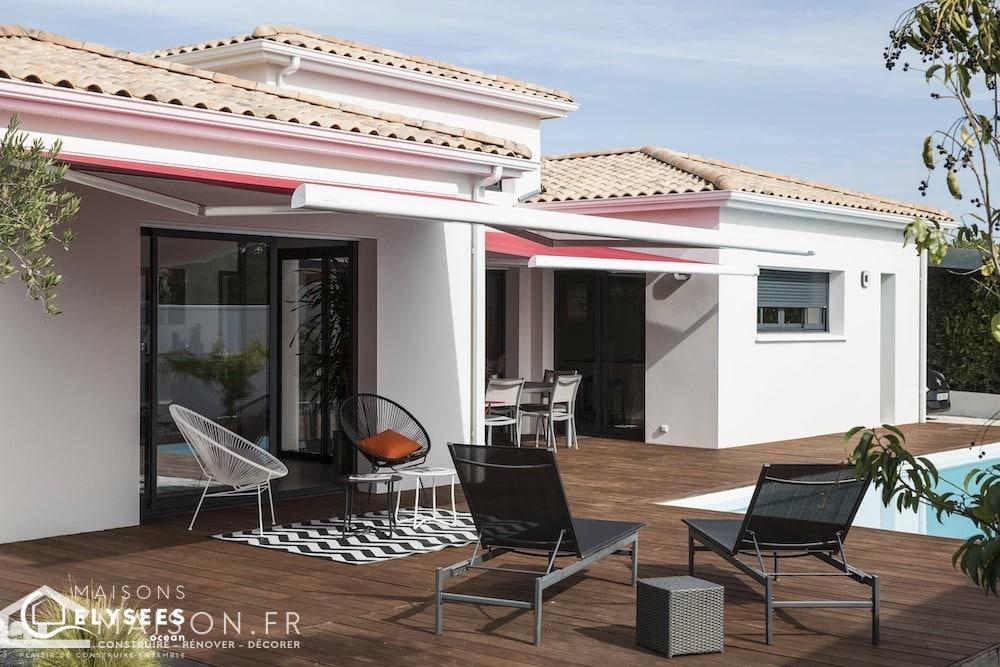 maison-moderne-avec-plan-en-U-en-bord-de-mer-65